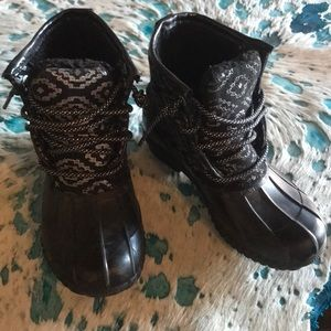 Duck boots size 1